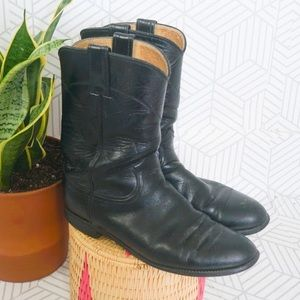 Justin's black leather western style boot 8.5